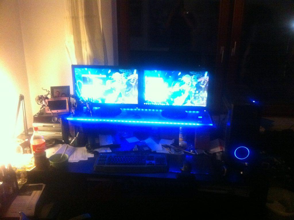 Shockwave v2 illuminated desk