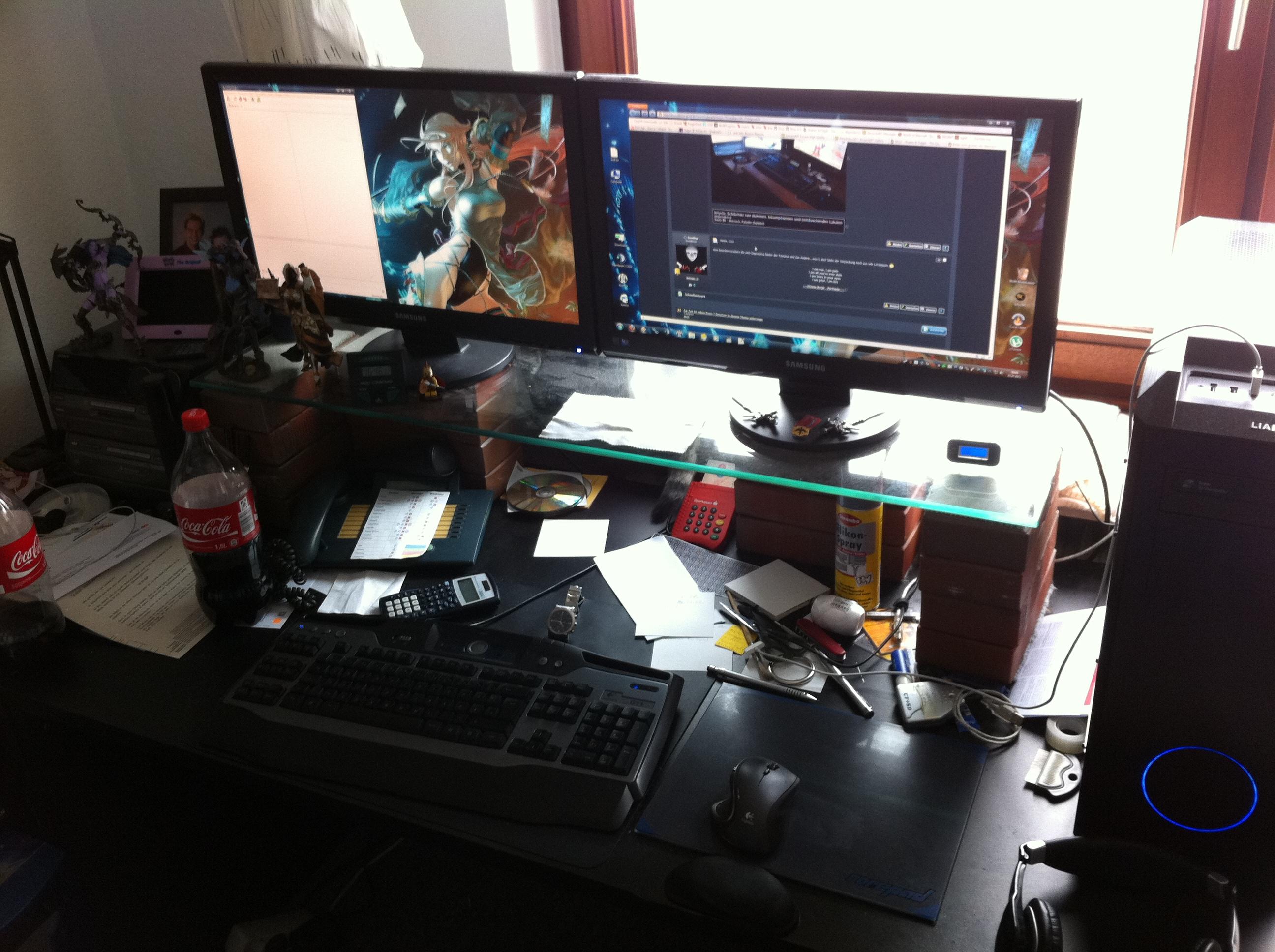 Shockwave v2 desk